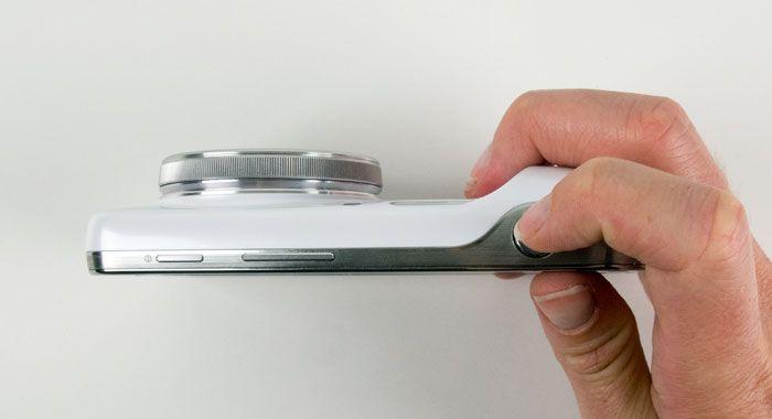 Samsung S4 Zomm prise en mains