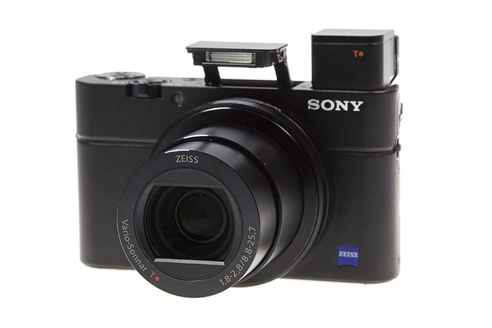 Sony RX100 AMrk III flash et viseur
