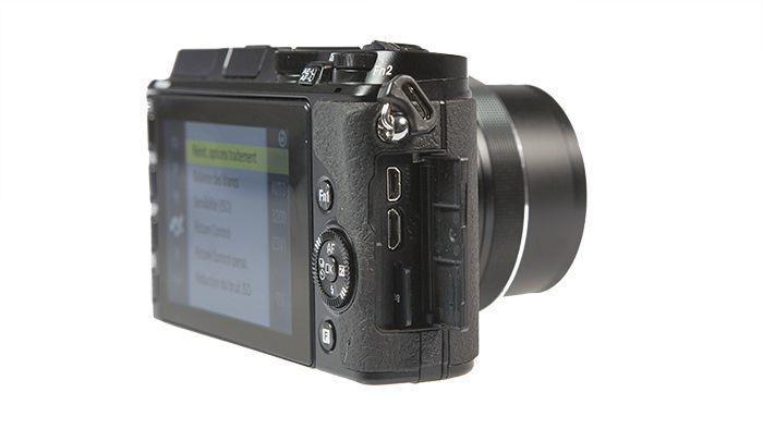 Nikon 1 V3 CarteMicroSD