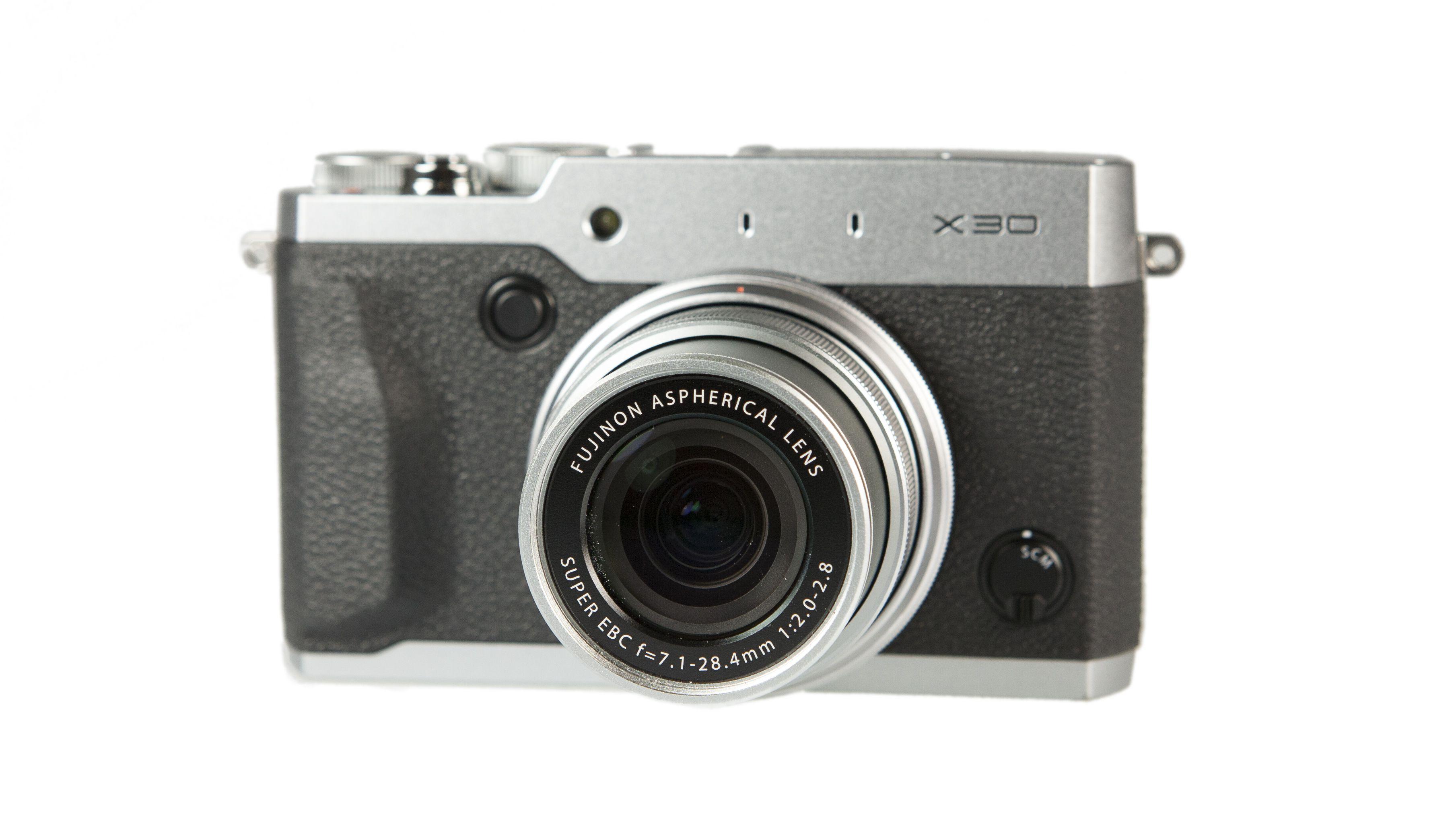 FujifilmX30 Front(2) LesNumeriques