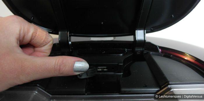 LG VR7428SP port USB