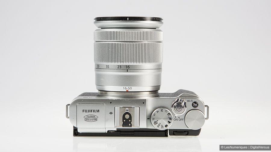 Fujifilm_X-A2_dessus.jpg